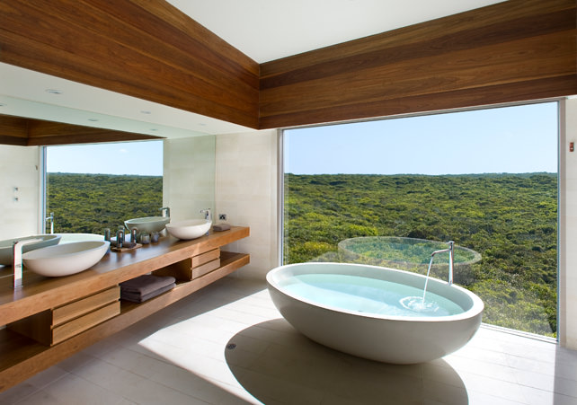 World's Best Bathtubs With a View