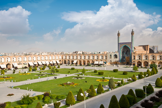 Luxury Iran Travel Guide - Isfahan - Ker Downey